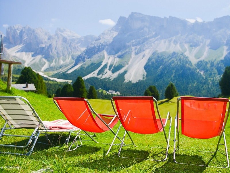 Italy-South Tyrol-Dolomites-Sun-Chairs