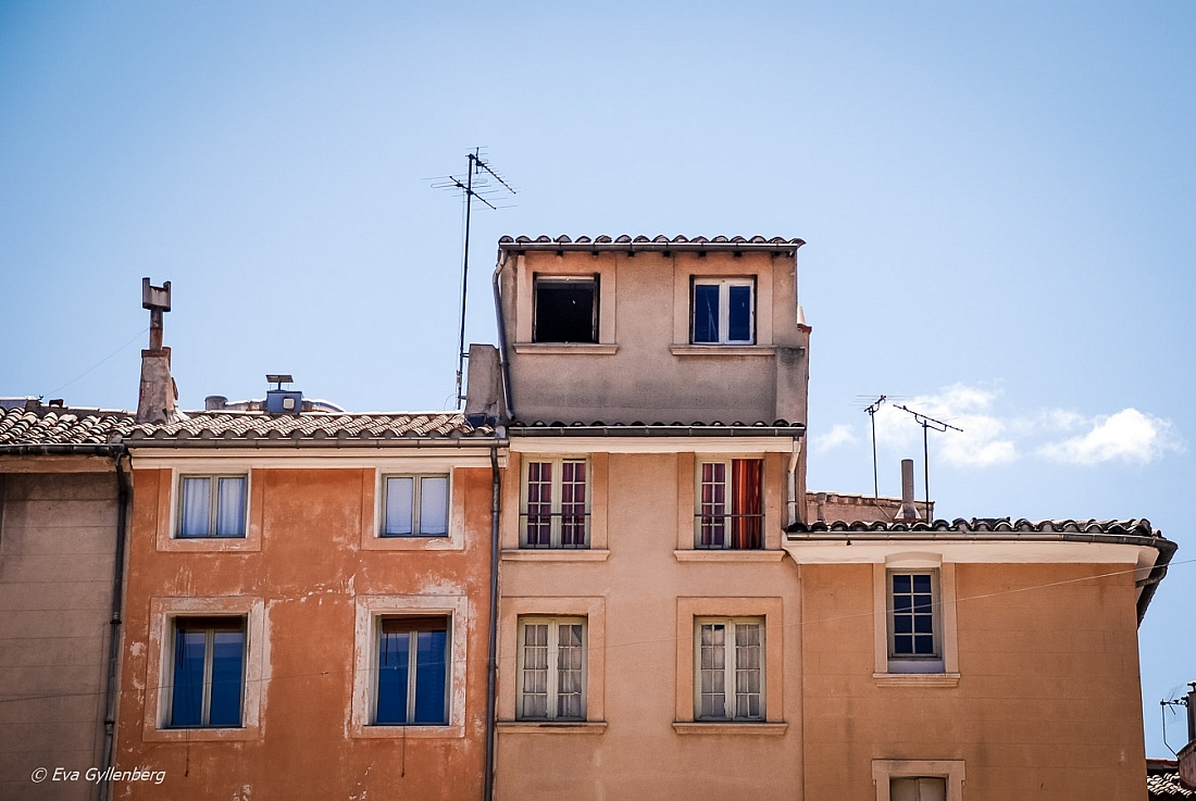 France-Provence-Bandol-Roof-House